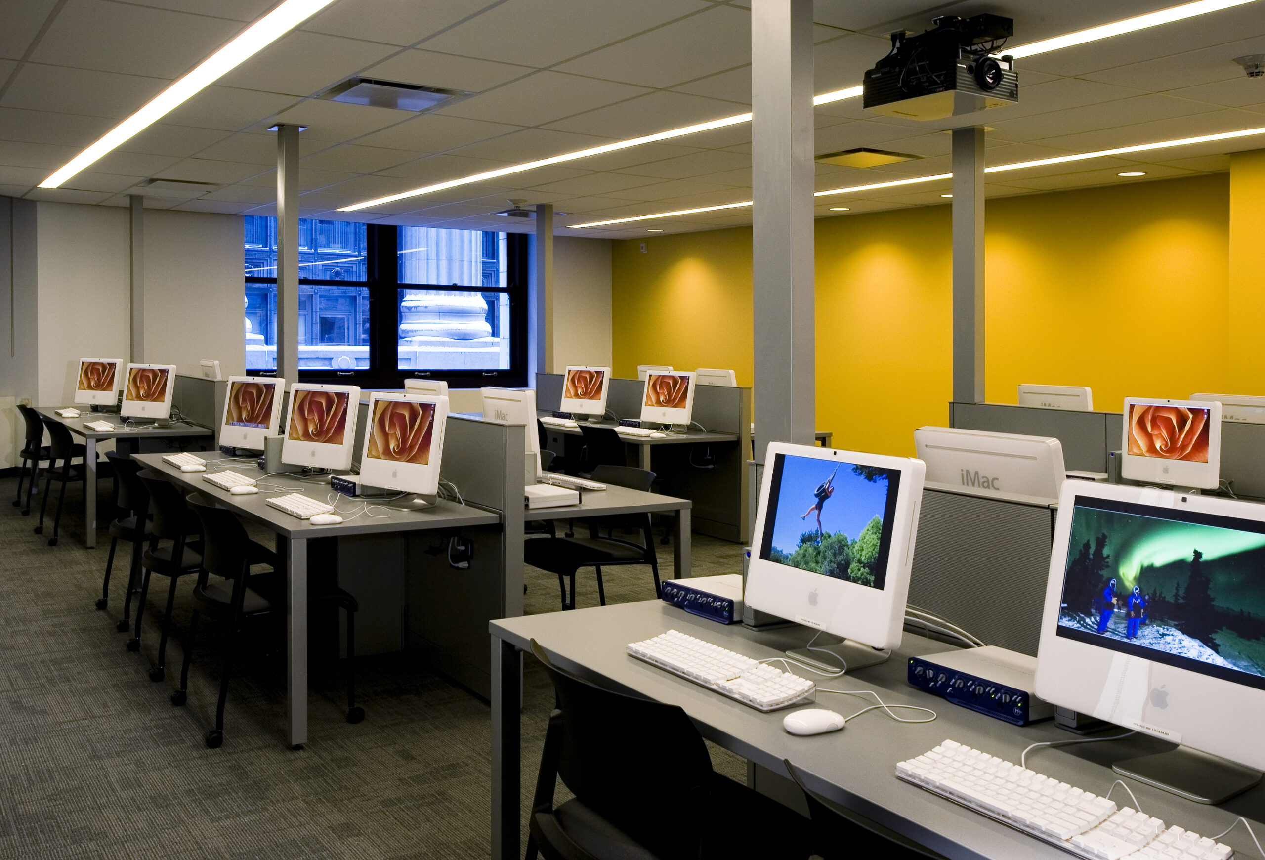 Computer classroom at Flashpoint Chicago.