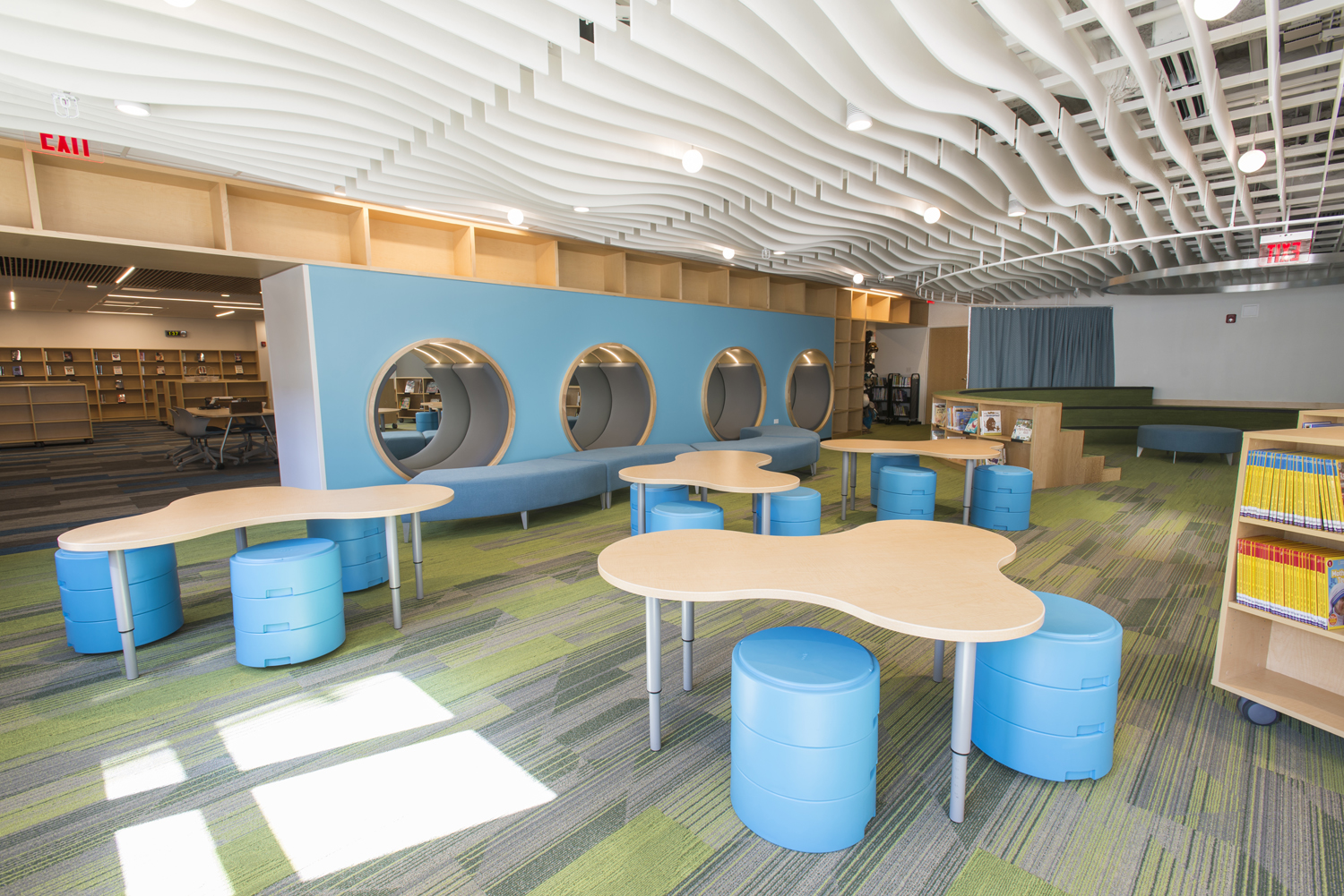 Student collaboration and study area at NSCD, Library and Science Center.