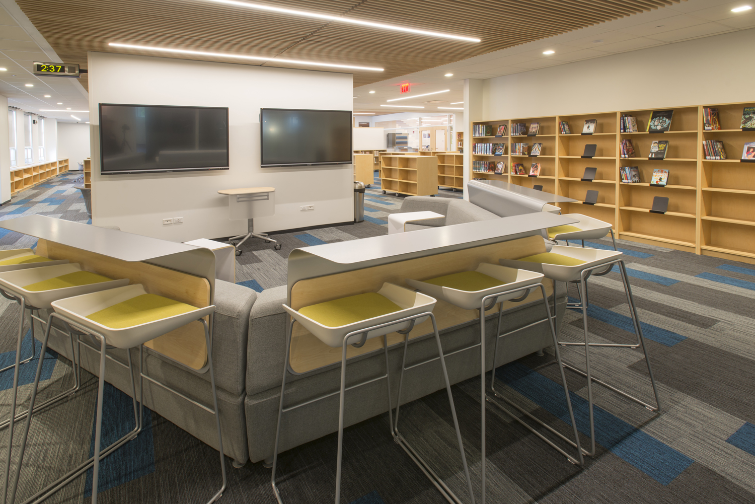 Student gathering area at NSCD, Library and Science Center.